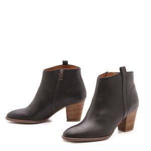 Madewell Billie Boots in Black Leather